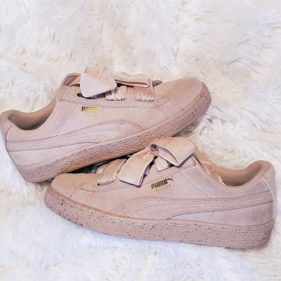 online retailer 91015 55bf4 Suede Puma Heart Sneakers *LIMITED EDITION*
